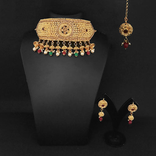 Kriaa Maroon & Green Stone Necklace Set With Maang Tikka