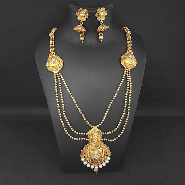 Kriaa White Austrian Stone And Pearl Necklace Set