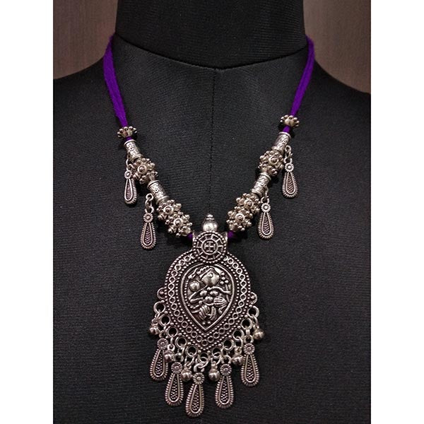 Jeweljunk Rhodium Plated Thread Navratri Necklace