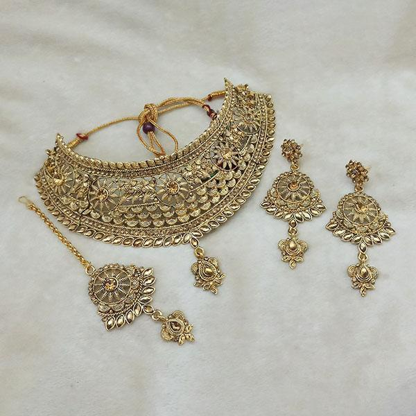 Kriaa Gold Plated Brown Kundan Choker Necklace Set With Maang Tikka - 1113617 - L