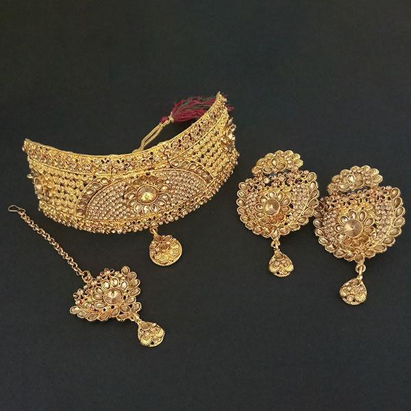 Kriaa Brown Stone Choker Necklace Set With Maang Tikka - 1113646