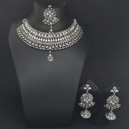 Jeweljunk White Kundan Stone Oxidised Choker Necklace Set With Maang Tikka