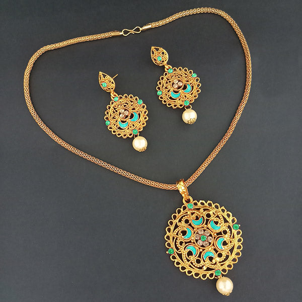 Kriaa Blue Meenakari Stone Gold Plated Pendant Set