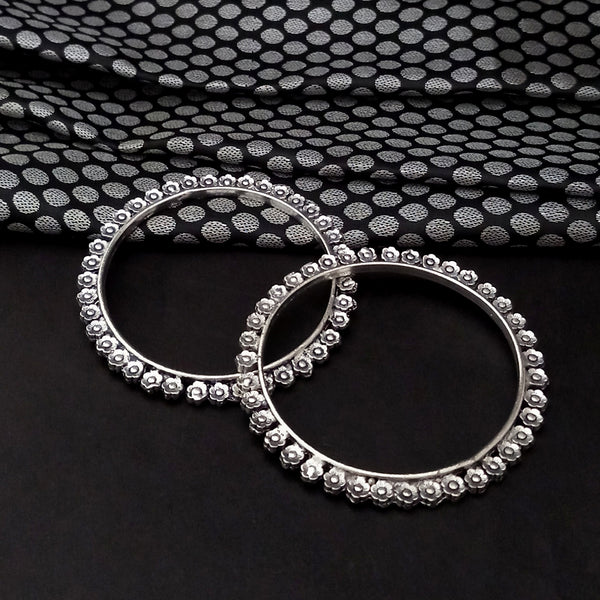 Urthn Floral Oxidised Plated Bangles Set