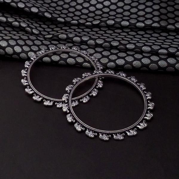 Urthn Oxidised Plated Elepant Design Bangles Set