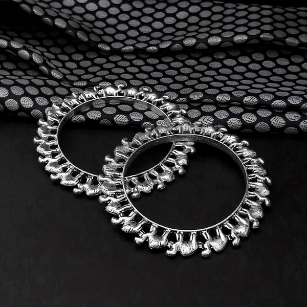 Urthn Oxidised Plated Camal Design Bangles Set