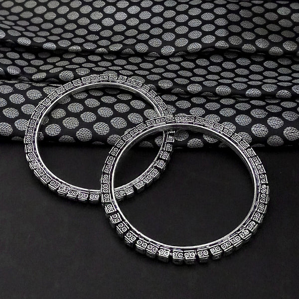 Urthn Oxidised Plated Bangles Set