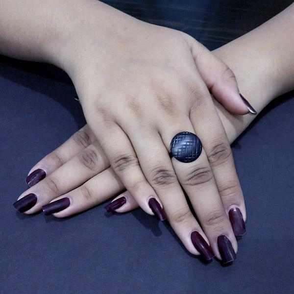 Kriaa Black Round Shaped Adjustable Finger Ring - 1505561D