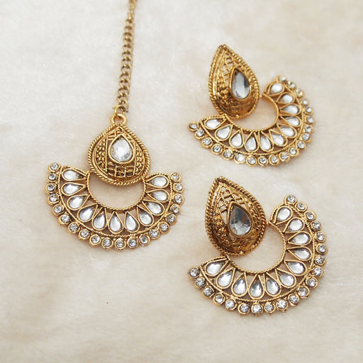 Shreeji Kundan Chandbali Earrings With Maang Tikka