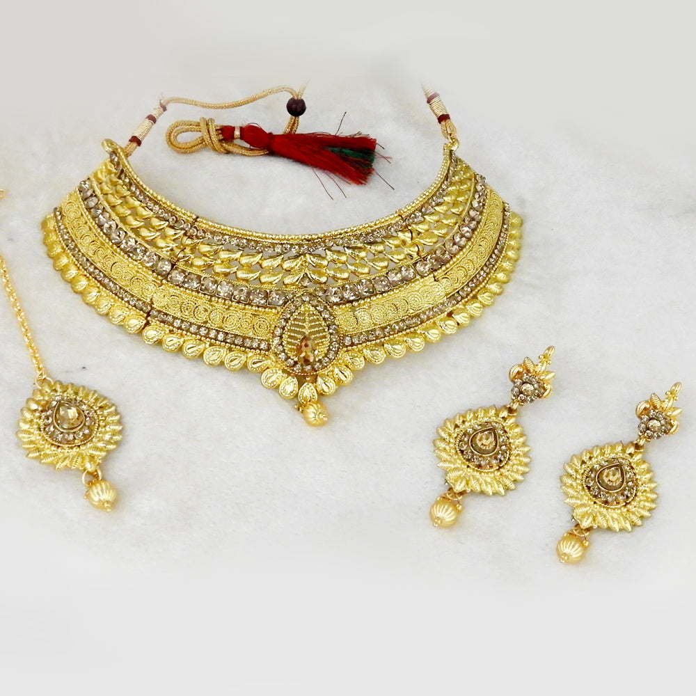 Kriaa Choker Necklace Set With Maang Tikka