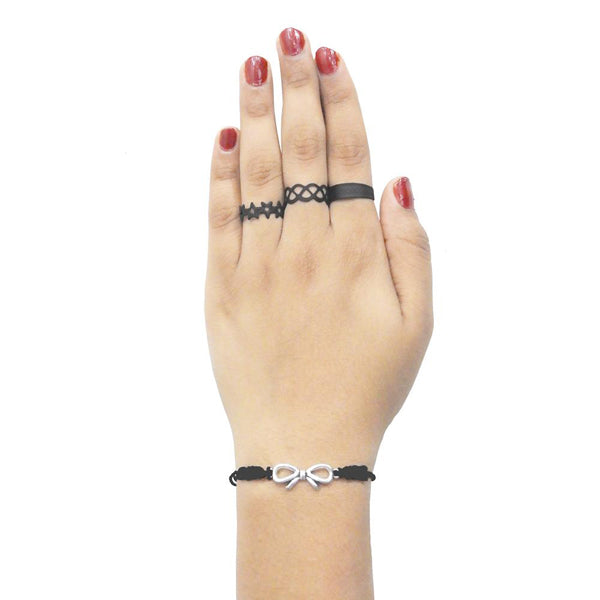 Urthn Three Finger Ring And Bracelet Set