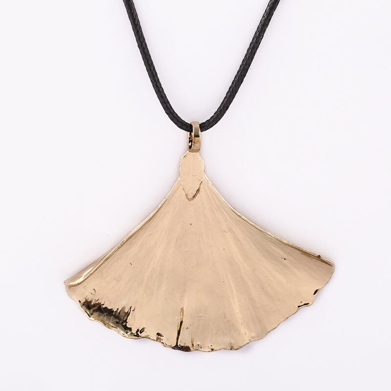 Unique natural gingko leaf pendant necklace