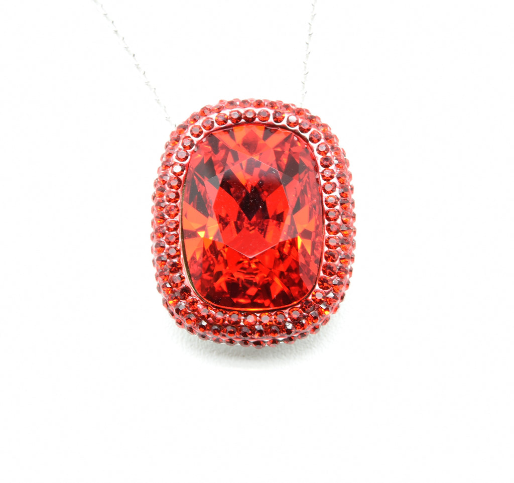 stunning swarovski crystal pendant necklace