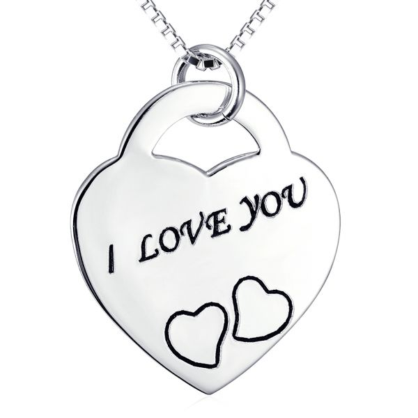A truly beauty classic heart shape 925 sterling silver necklace