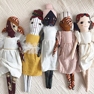 送料無料!POLAE DOLLS WITH YELLOW DRESS