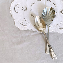 VINTAGE SERVING SPOON SET