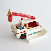 VINTAGE FISHER PRICE RESCUE TRUCK 1974