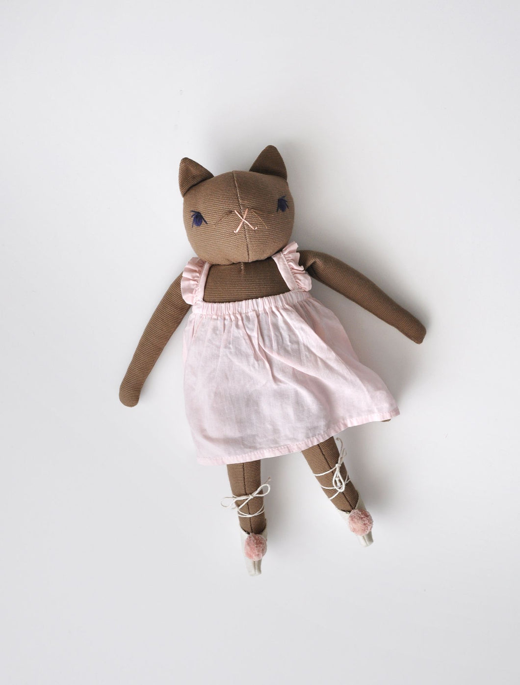 MEDIUM BALLET CAT | BROWN
