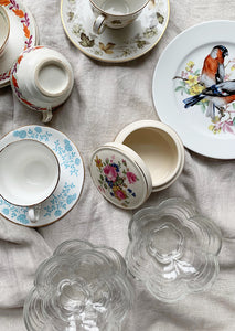 VINTAGE FLOWER DISH SET