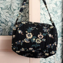 SHOULDER BAG BLACK FLOWER PRINT (LAST ONE!)