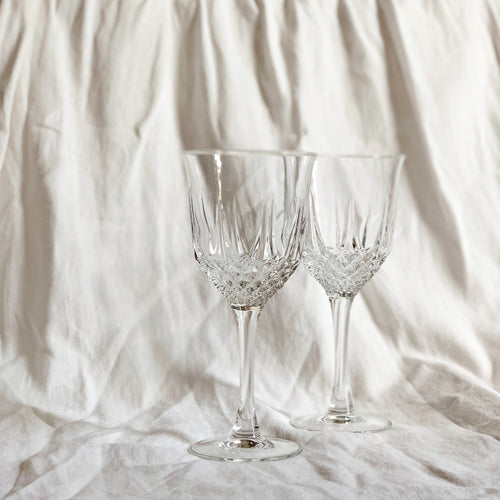 VINTAGE WINE GLASS SET