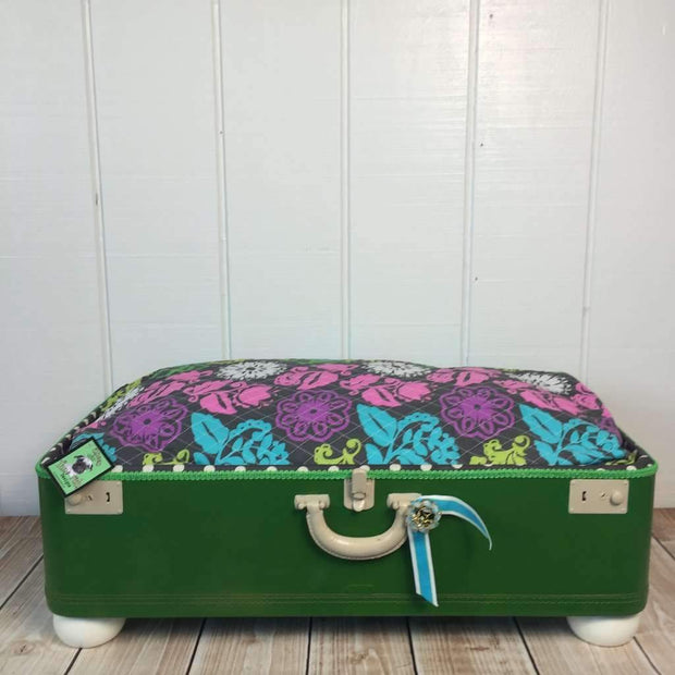 Bountiful Pet Suitcase Bed