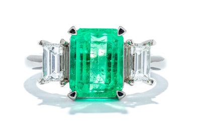 Adele Diamond Platinum Three Stone Green Emerald Fashion Ring