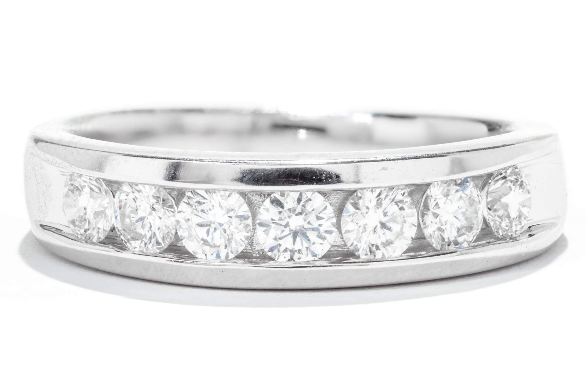 This is a picture of Gents 34K White Gold Diamond Wedding Band