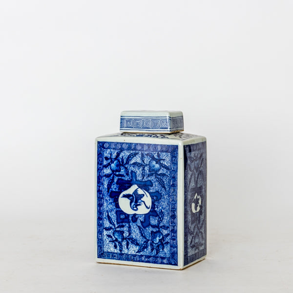 Ceramic Blue and White Traditional Pattern Loose Leaf Tea Container TB0517132BA-TABLE DÉCOR-Wu & McHugh