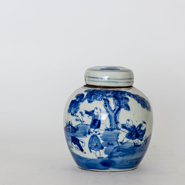 Ceramic Blue and White Decorative Round Loose Leaf Tea Container TB0517134DA-TABLE DÉCOR-Wu & McHugh