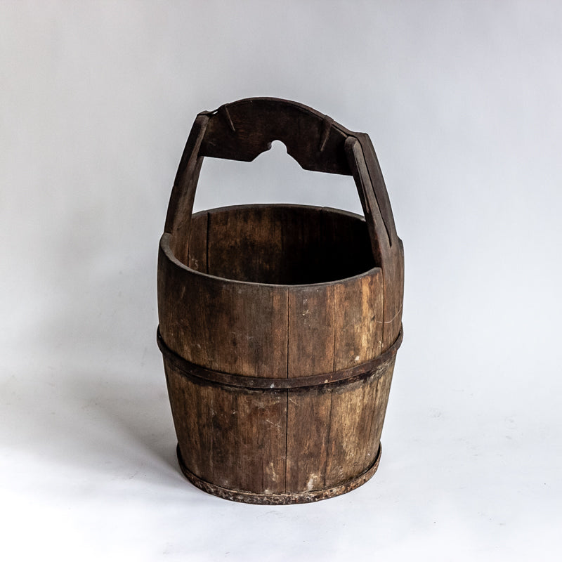 Antique Round Wooden Water Bucket YX0018086