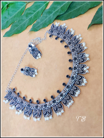 Premium Quality Oxidised Silver Black Leaf Beads Necklace 95209