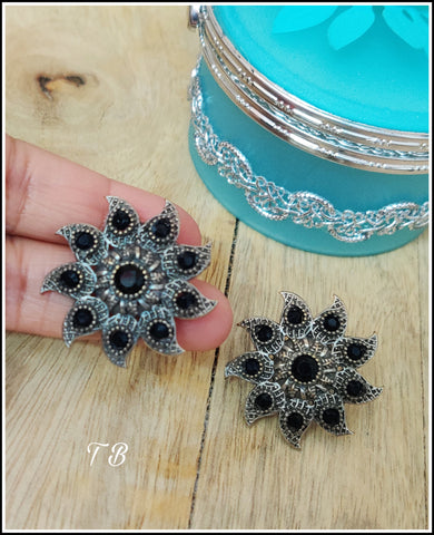 Premium Quality Antique Silver Flower Black Stone Stud Earrings 9959
