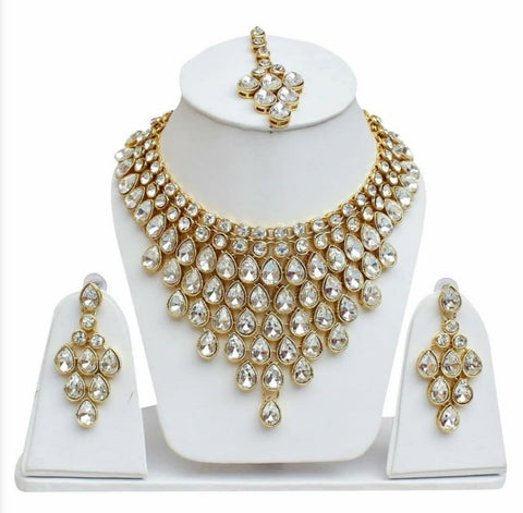 Kundan Necklace Set with Earrings and Mang Tikka