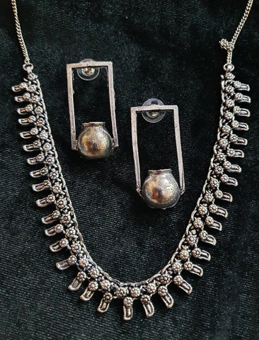 Oxidised Silver Neckalce with Single Matki Earrings H.1300.50