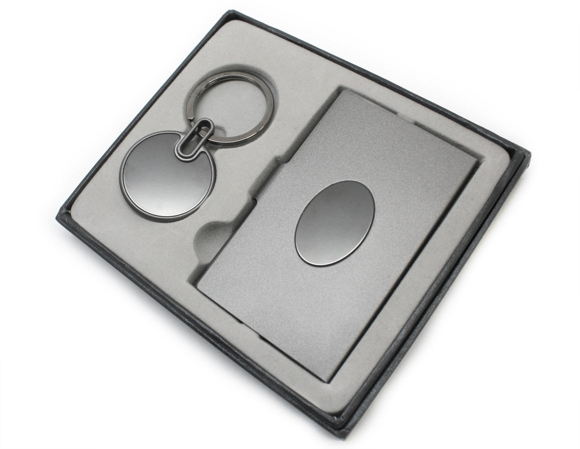 Personalize this Silver Plated, Non Tarnish Gift Set featuring a Card Holder and Keychain. atlanta-jewelers-supply.myshopify.com