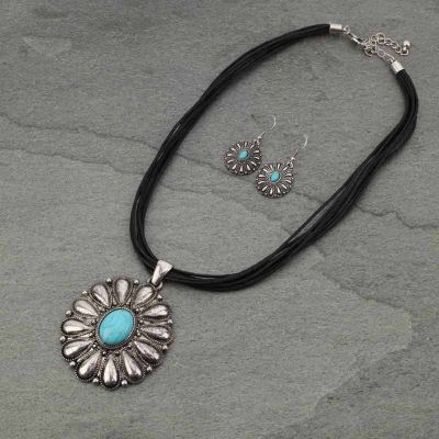 Turquoise Oval Necklace Set