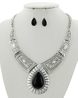 Black Teardrop Necklace Set