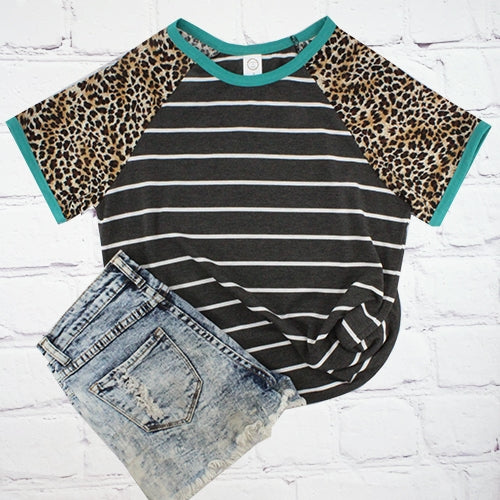 Plus Size Black/White Stripe Leopard Print Sleeves