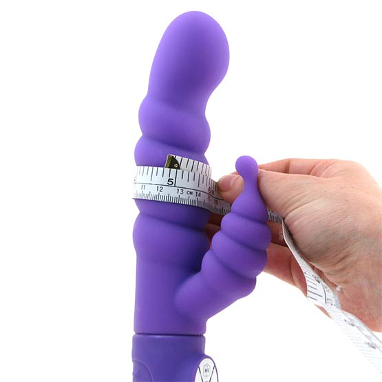 Girth Measurement - Indicates the circumfrence of the toy around its widest point.
