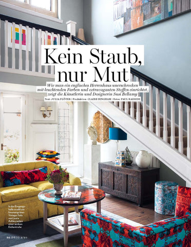 main hallway, yellow sofa, staircase, rot, blau, antique, herrenhaus, gelb