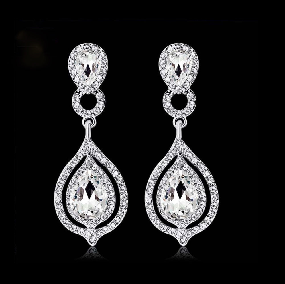 Elegant Crystal Wedding Drop  Earrings