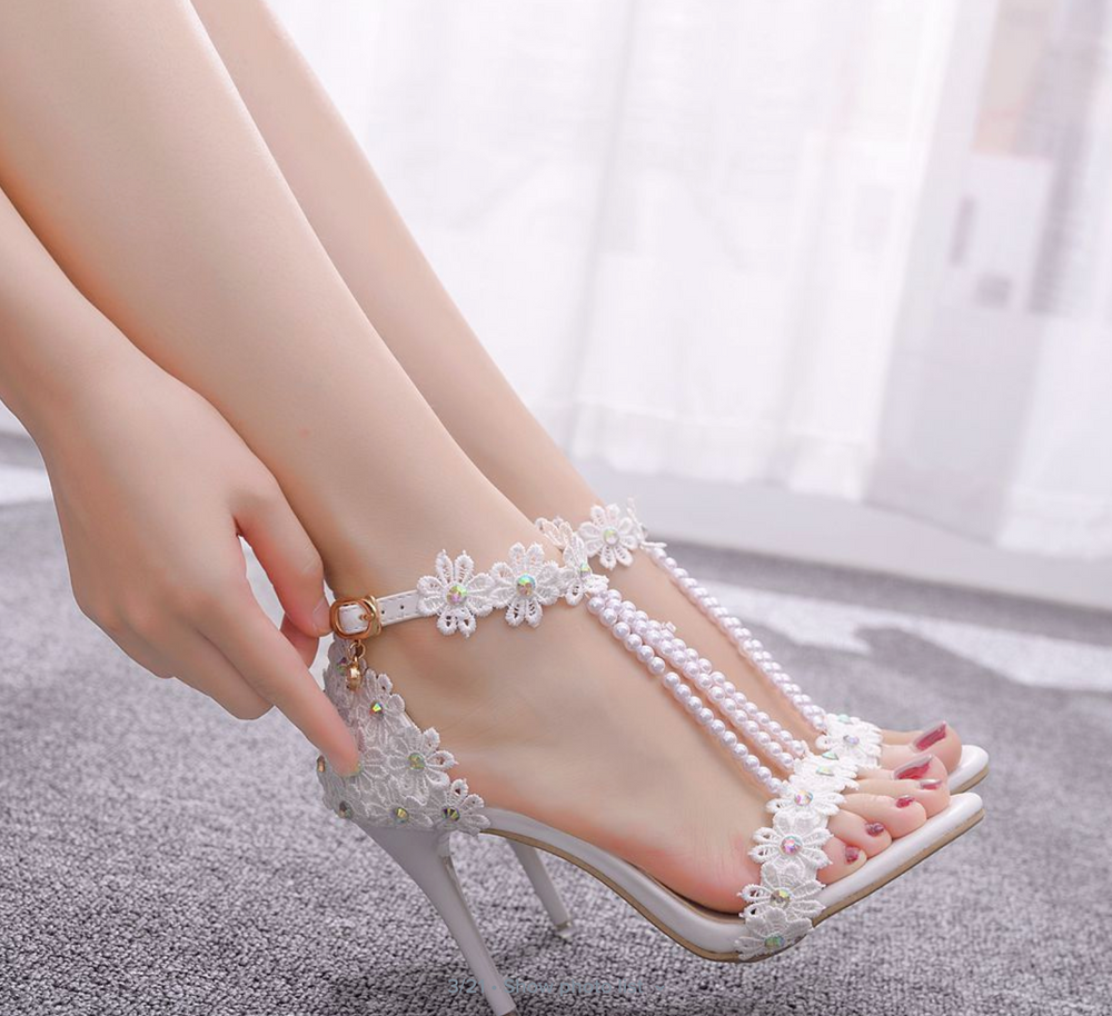 Crystal Queen Women Sandals White Lace Flowers Pearl Tassel Bridal 9cm Heel Fine High Heels Bridal Pumps Wedding Shoes