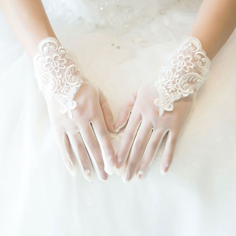 Brides Lace Short Wedding Dress Glove Accessory with Fingers