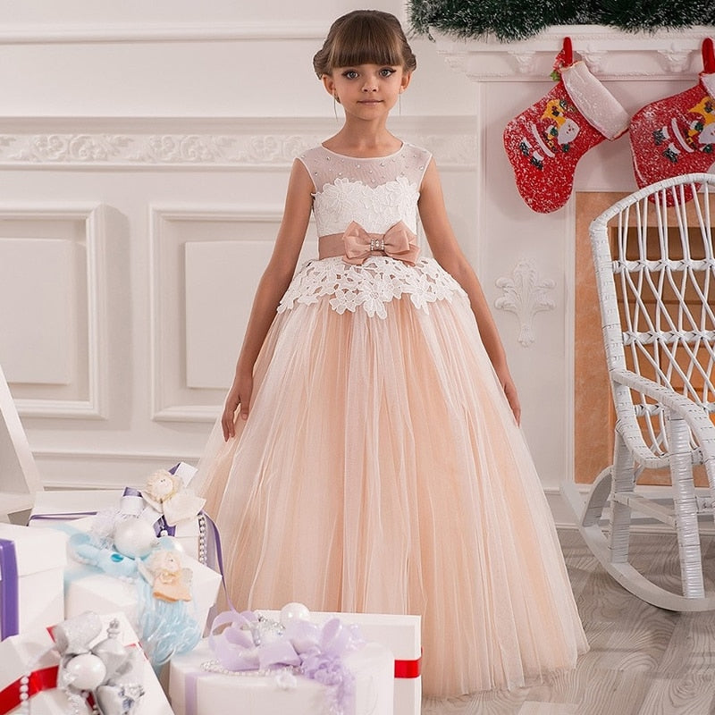 High Quality Lace Appliques Beading Short Sleeve Flower Girl or First Communion Dress