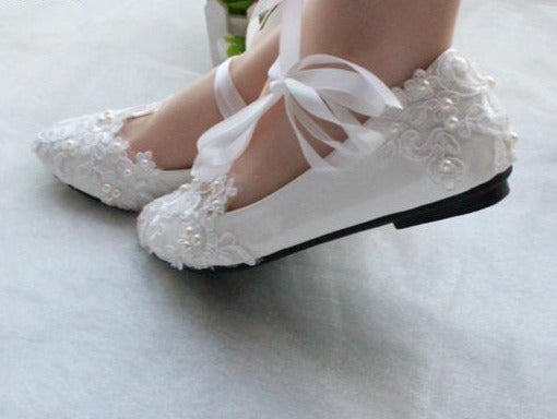 Fashion White or Red Wedding Shoes Pump High Heels Patent Leather Lace Appliques Beaded Bridal Shoes