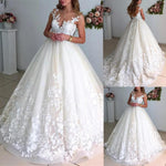 Elegant Ball Gown Wedding Dress Sleeveless Open Back Exquisite Lace Appliques