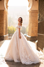Sweetheart  Lace Vintage Wedding Dress Appliques Beaded Bride Gown Plus Sizes Available