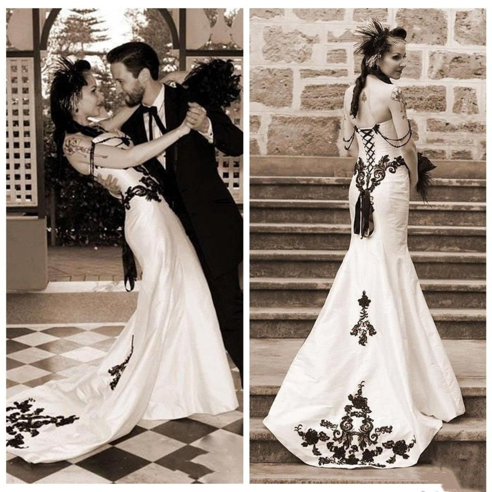 Gothic Mermaid Wedding Dresses Satin Black Lace Sweetheart Sexy Backless Bridal Gown