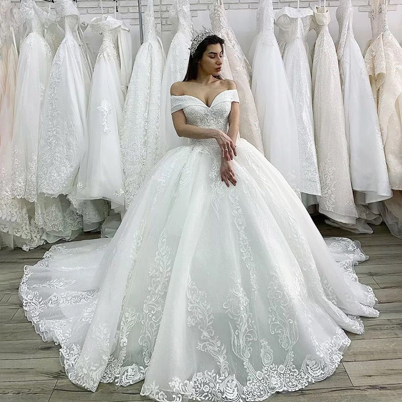 Luxury Beaded Princess Wedding Dress Lace Appliques Ball Gown
